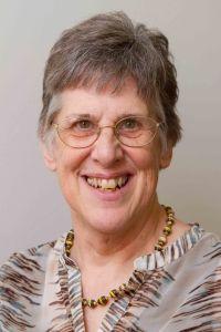 Mary McKeever - Headshot 2015 - 350k - sRGB